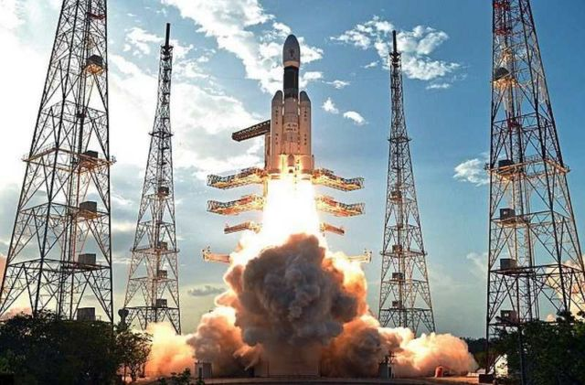 India launches 'Fat Boy' megarocket