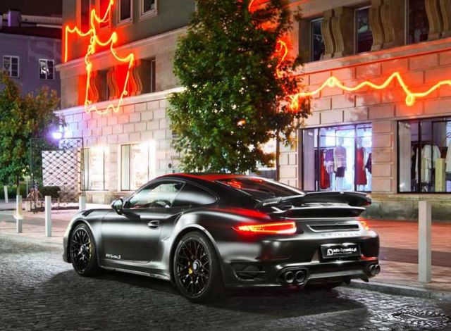 Porsche Dark Knight 911 Turbo S (3)