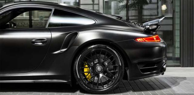Porsche Dark Knight 911 Turbo S (2)