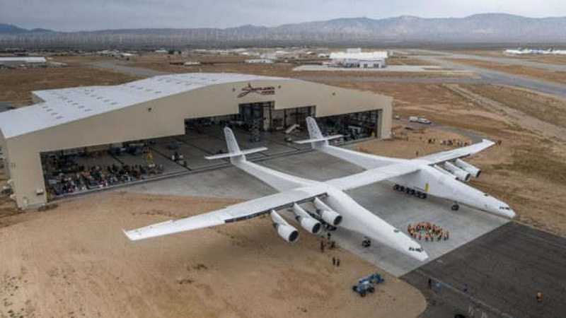 Stratolaunch - world's Largest Airplane (5)