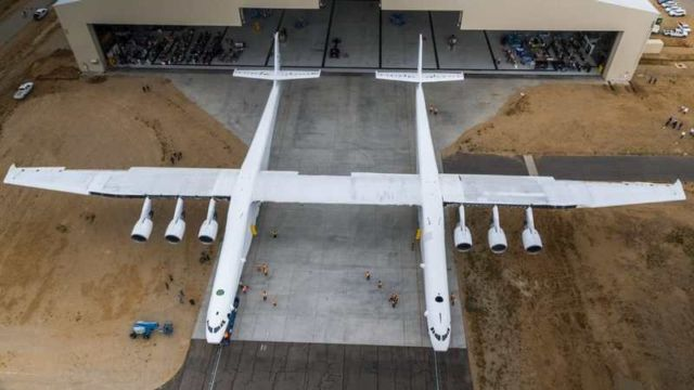 Stratolaunch - world's Largest Airplane (3)