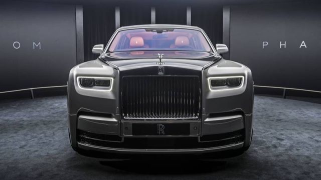 2018 Rolls-Royce Phantom VIII (7)