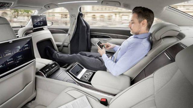 AUDI semi-autonomous A8 (6)