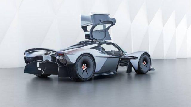 Aston Martin Valkyrie Hypercar (1)