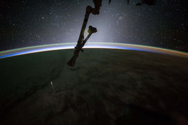 Dragon return captured from Space Station