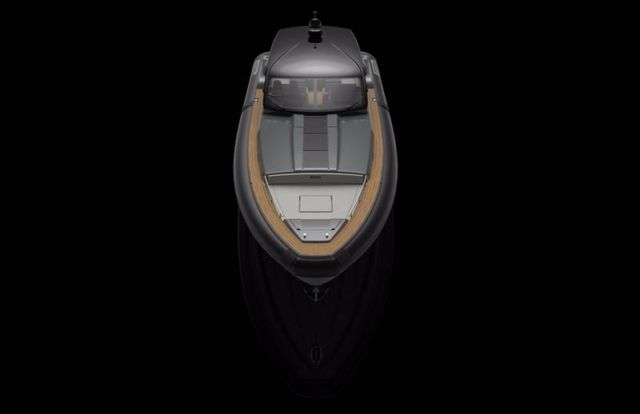 Pirelli 1900 super RIB speedboat (2)