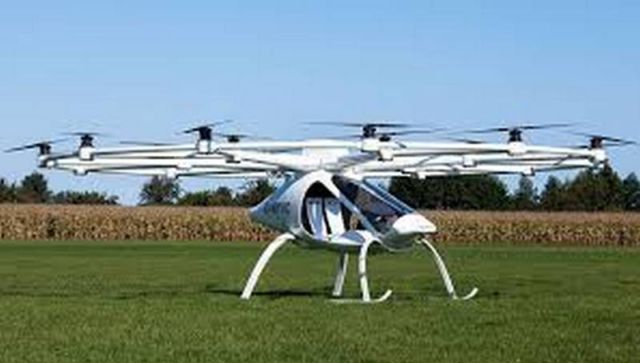 Daimler invests in flying taxi firm Volocopter (2)