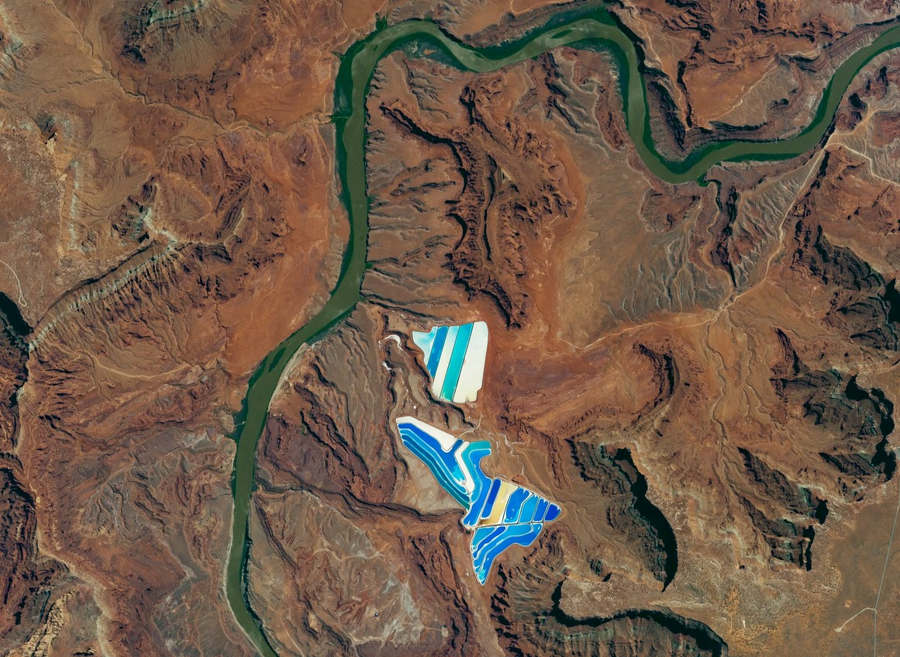 Solar evaporation ponds near moab utah wordlesstech for Design of evaporation pond