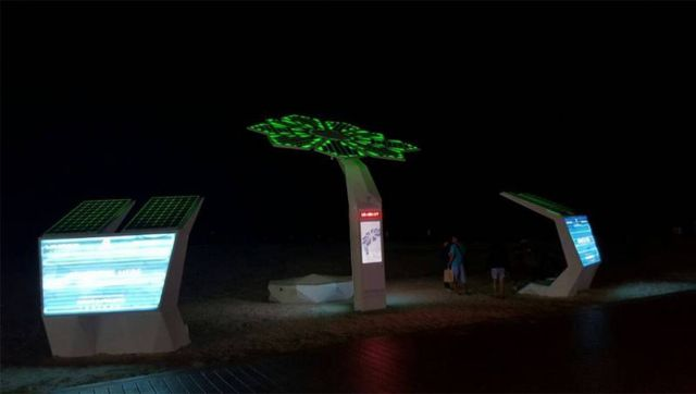 Solar Powered smart palm trees (4)