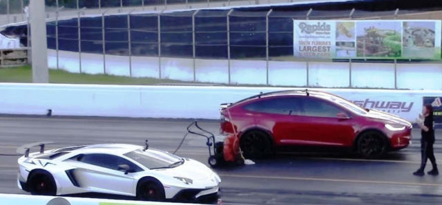 Tesla Model X P100D vs Lamborghini Aventador SV Drag Race