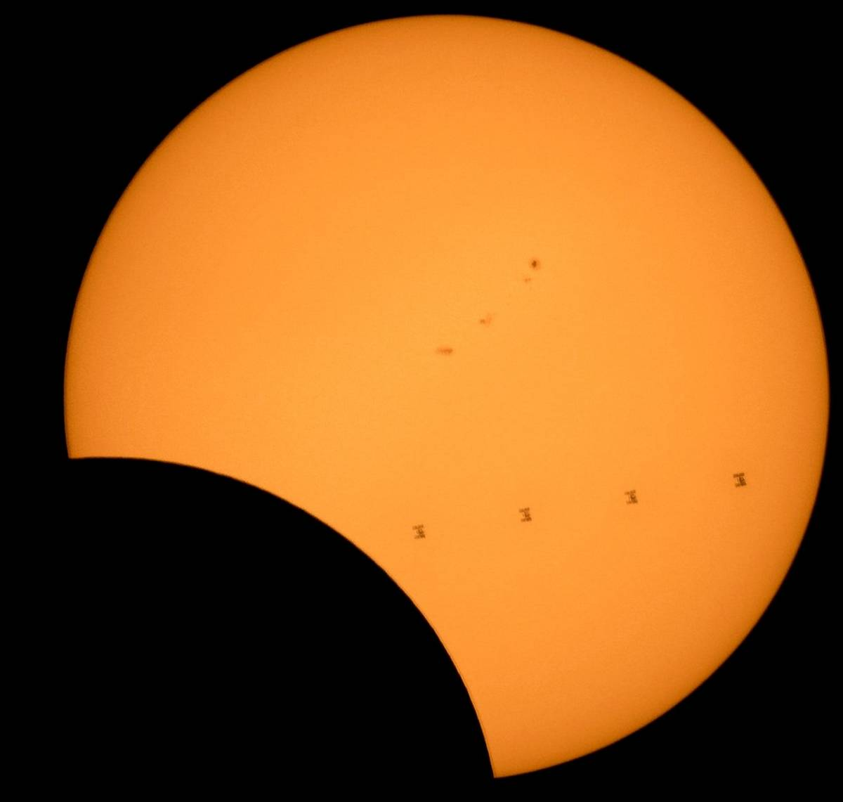 wordlessTech | The best 2017 Solar Eclipse image