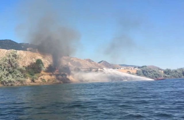 This is how a speedboat can extinguish a fire