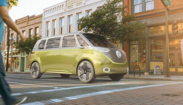 Volkswagen I.D. Buzz autonomous electric Kombi van (1)