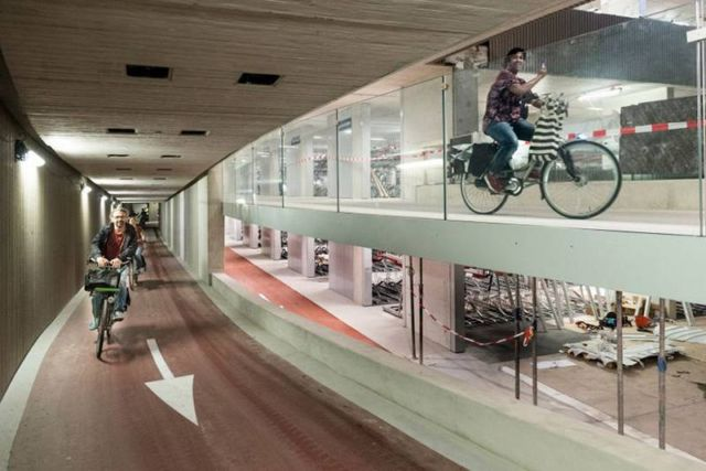 World's largest Bike parking garage (1)