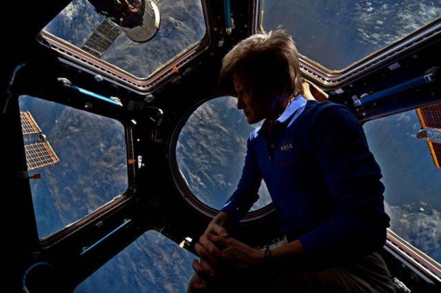 astronaut Peggy Whitson in copola