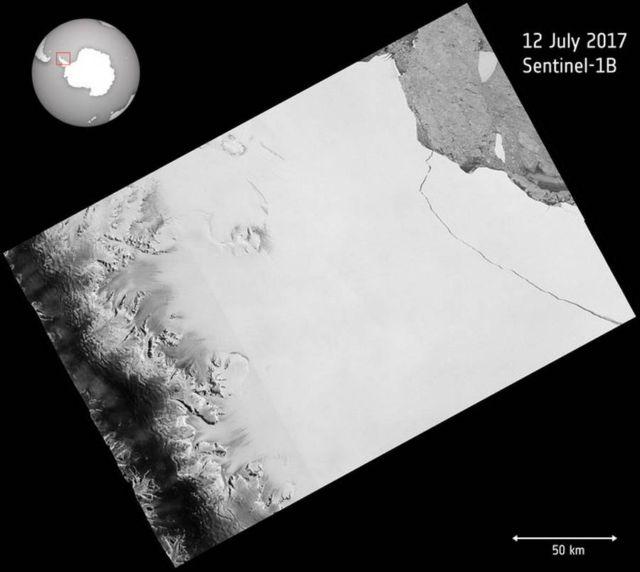 The iceberg breaking away from Larsen C ice shelf on 12 July 2017
