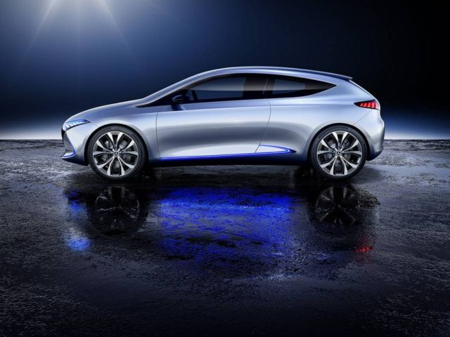 Mercedes-Benz Concept EQA (4)
