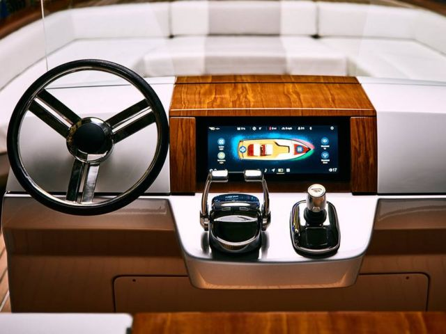 Hinkley Dasher Electric Yacht (4)