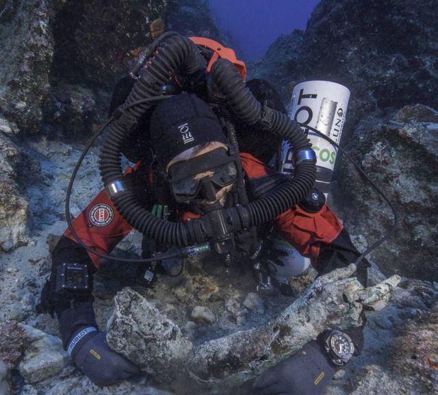 A Bronze Arm from the Antikythera Shipwreck discovered