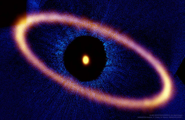 Ice Ring around nearby Star Fomalhaut