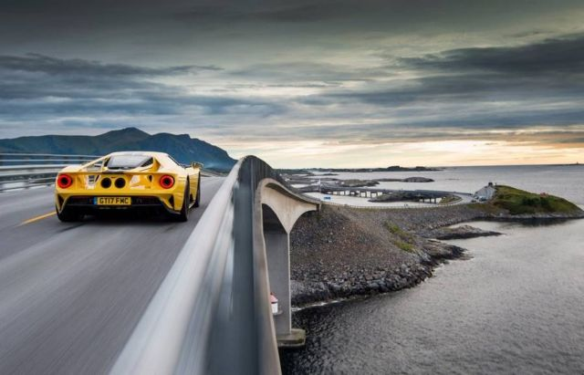 The Ford GT drives the iconic Atlantic Ocean Road (3)