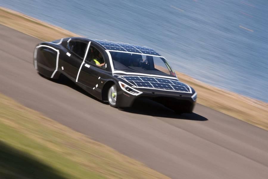 Sunswift Violet sleek four-seat car (5)