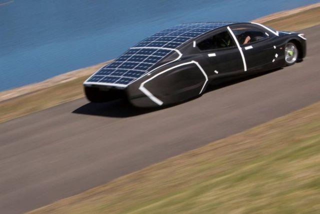 Sunswift Violet sleek four-seat car (3)