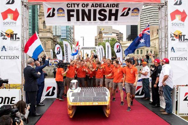 Nuon Solar Team World Champion Solar Car Racing winner (3)