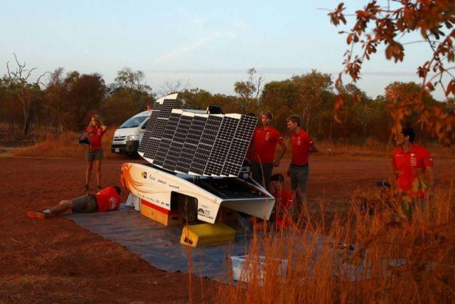 Nuon Solar Team World Champion Solar Car Racing winner (1)