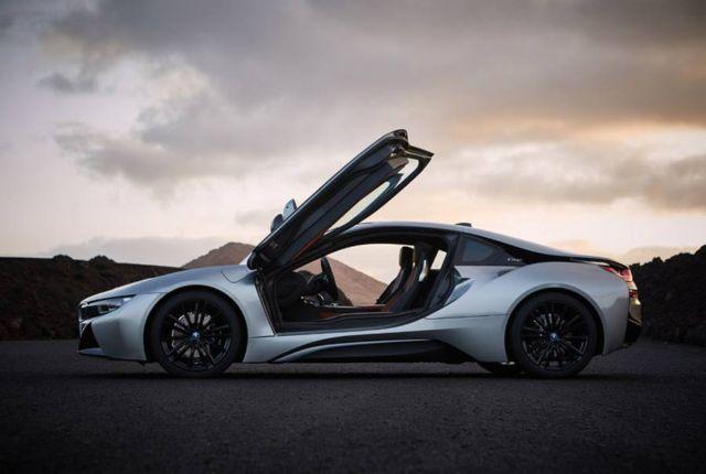 2019 BMW i8 Roadster (9)