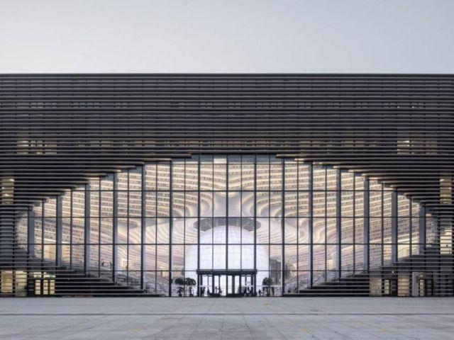 China's new stunning Library (5)