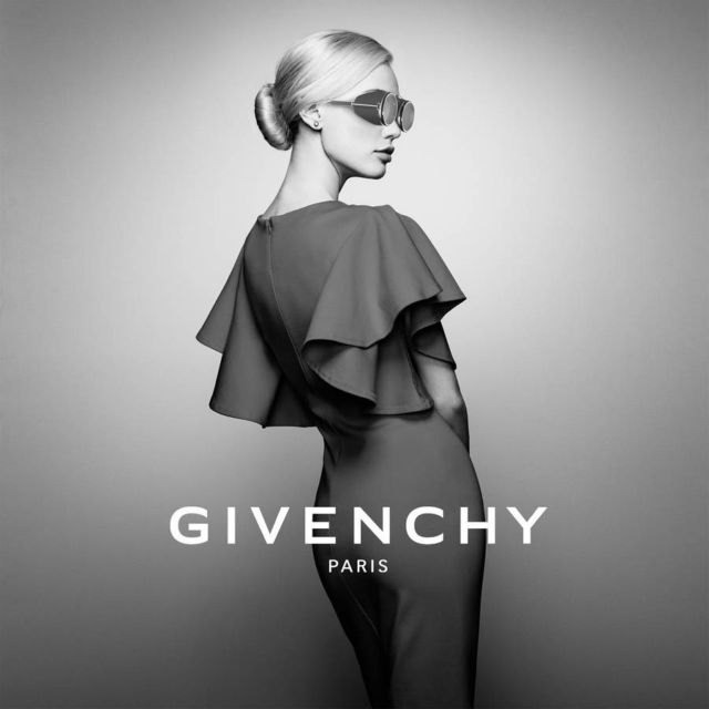 Givenchy VR Goggles (3)
