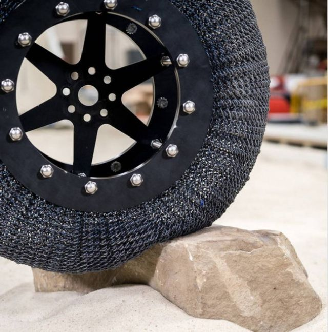 NASA's new shape shifting Tire