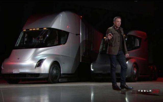 Electric Tesla Semi Truck (6)