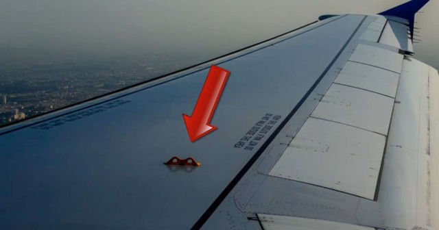 10 Airplane things you don't know the purpose of