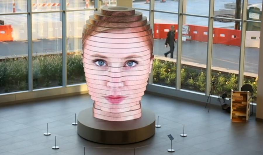 3D Interactive Sculpture projects your Face