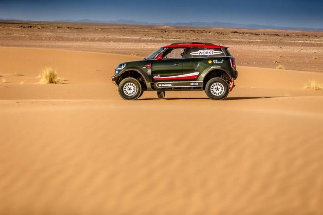 Mini unveils new buggy for 2018 Dakar Rally (3)