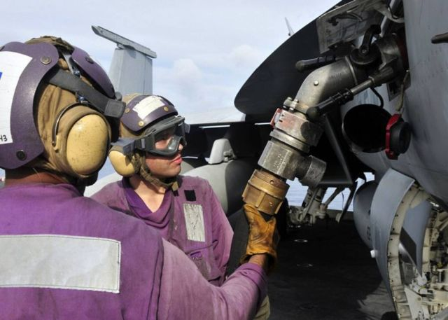 The color-coded uniforms of US Aircraft Carrier Crews (3)