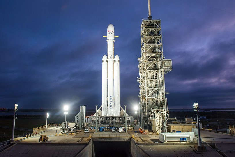 Falcon Heavy on the launch pad