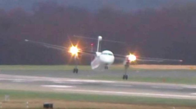 Most terrifying Landing ever