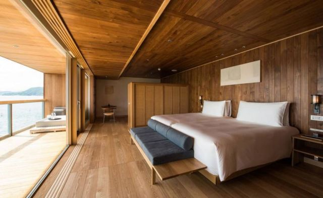 Guntu Luxury Japanese Floating Hotel (7)