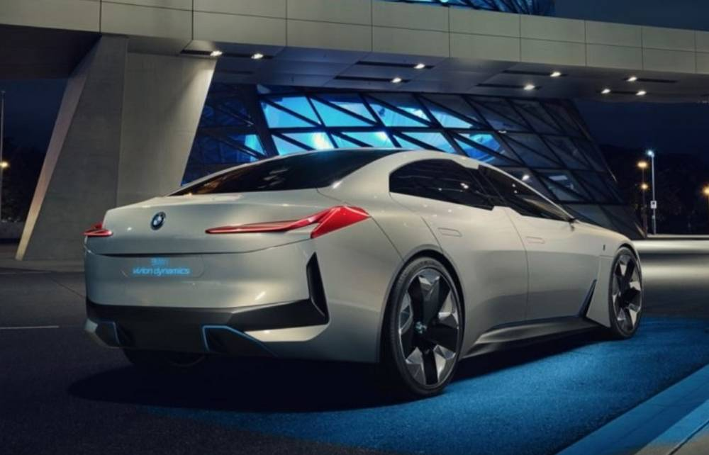 BMW i4 electric sedan | wordlessTech