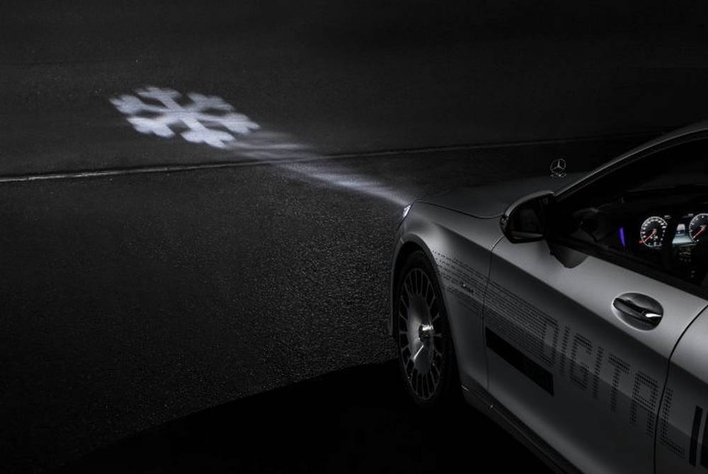 Mercedes Digital Headlight (6)