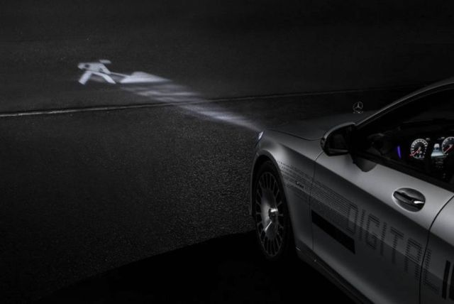 Mercedes Digital Headlight (5)