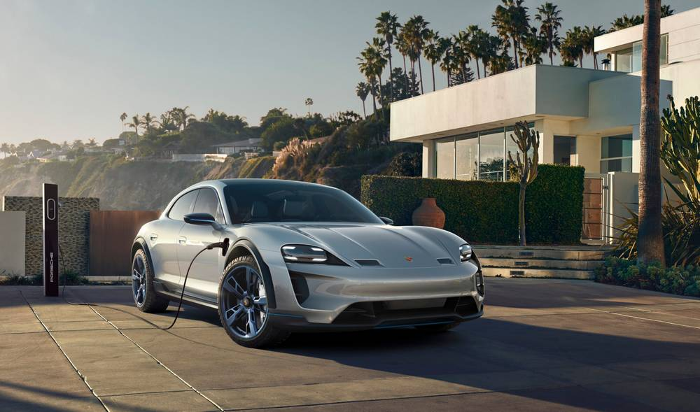 Porsche Mission E Cross Turismo CUV (3)