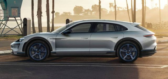 Porsche Mission E Cross Turismo CUV (12)