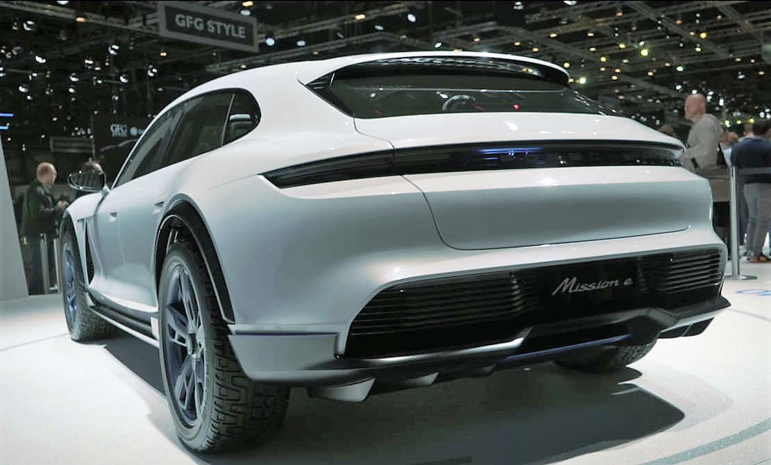 Porsche Mission E Cross Turismo concept - new video
