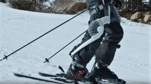 Robotic ski exoskeleton
