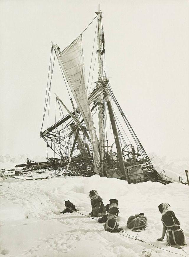 Endurance stuck in the Antarctic ice