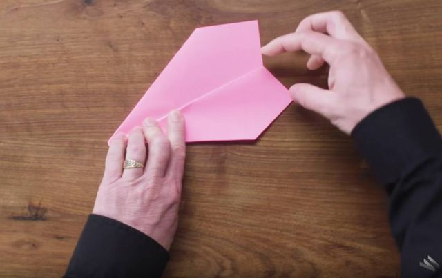 How to fold and fly World Record Paper Airplanes